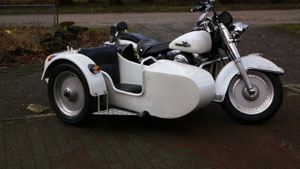 Harley-in-weiss-10